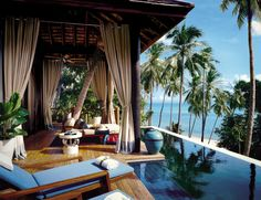 Your own private infinity pool with astonishing panoramas of Laem Yai Bay, Koh Phangan and the Gulf of Siam.