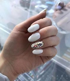 elegant nail art designs for real ladies Nail Art Hacks, Nail Art Diy, Nude Nails, Glitter Nails, Santa Hat Nails, Hair And Nails, My Nails, White And Silver Nails, Nail Art Designs
