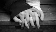 Eu quero amar, amar perdidamente! Amar só por amar: Aqui... além... Mais Este e Aquele, o Outro e toda a gente Amar! Amar! E não amar ninguém!  Recordar? Esquecer? Indiferente!... Prender ou desprender? É mal? É bem? Quem disser que se pode amar alguém Durante a vida inteira é porque mente!  Há uma Primavera em cada vida: É preciso cantá-la assim florida, Pois se Deus nos deu voz, foi pra cantar!  E se um dia hei-de ser pó, cinza e nada Que seja a minha noite uma alvorada, Que me saiba…