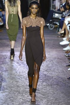 Julien Macdonald Spring 2016 Ready-to-Wear Collection Photos - Vogue.  Love! Love! Love!