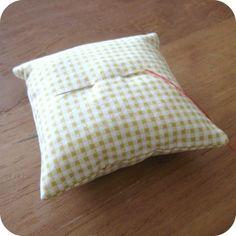 Een gat onzichtbaar dichtnaaien - SewNatural Sewing Techniques, Bed Pillows, Workshop, Quilts, Stitch, Net, Blog, Tutorials, Natural