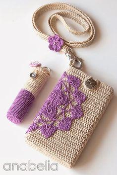 DIY gehäkelter Lippenstifthalter und Handyhülle - Crochet smartphone and lipstick covers (pattern) by neckband (pattern) by Anabelia Crochet Diy, Beau Crochet, Love Crochet, Crochet Gifts, Beautiful Crochet, Crochet Poppy, Mobiles En Crochet, Crochet Mobile, Crochet Handbags
