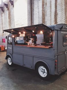 espresso bus at neighbourfood market // amsterdam