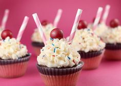 Also having these milkshake cupcakes made to go with the hamburger!! :) Milk shake cupcakes SO CUTE!