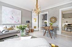 Livingroom Inredning & styling: Sophia Björnsdotter. Foto: Martin Stern via mäklarfirman Living. Case: Jutas backe 5 http://www.hemnet.se/bostad/bostadsratt-3rum-city-norrmalm-stockholms-kommun-jutas-backe-5-6328563