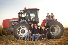 farm family photos- red tractor