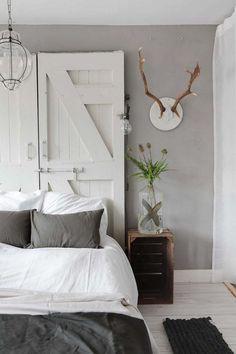 decordemon: Cozy house with industrial influence in Haarlem, The Netherlands Dream Bedroom, Home Bedroom, Diy Bedroom Decor, Home Decor, Bedroom Ideas, Master Bedroom, Headboard Alternative, Gravity Home, Bedroom Designs