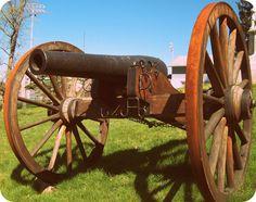 Civil War cannon at Union Cemetery