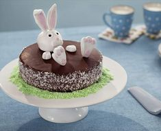 Chocolate Caliente, Easter Eggs, Birthday Cake, Xmas, Pudding, Desserts, Food, Muffin, Chocolate Frosting