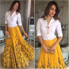 Indian Gowns Dresses, Indian Fashion Dresses, Indian Designer Outfits, Designer Dresses, Designer Sarees, Lehenga Designs, Indian Wedding Outfits, Indian Outfits, Indian Weddings