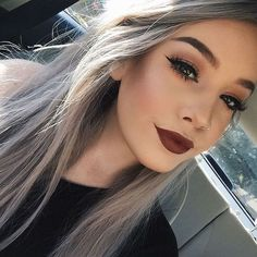Cool 59 Adorable Fall Hairstyle Ideas to Makes You Look Different. More at http://aksahinjewelry.com/2017/10/07/59-adorable-fall-hairstyle-ideas-makes-look-different/