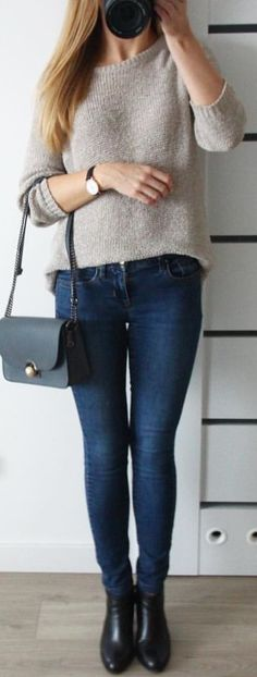 #winter #outfits  knitted gray sweater and blue denim skinny jeans. Pic by @somethingwhite.