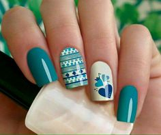 Turquesa corazon Daisy Nail Art, Daisy Nails, Flower Nails, Stylish Nails, Trendy Nails, Cute Nails, Nail Art Modele, Hair And Nails, My Nails