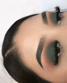 57 Gorgeous Eye Makeup Looks For Day And Evening - eye makeup ideas , green eye . - 57 Gorgeous Eye Makeup Looks For Day And Evening – eye makeup ideas , green eye shadow, smokey ey - Makeup Eye Looks, Makeup For Green Eyes, Smokey Eye Makeup, Skin Makeup, Eyeshadow Makeup, Simple Eyeshadow Looks, Gray Eye Makeup, Eye Makeup For Hazel Eyes, Makeup Brushes