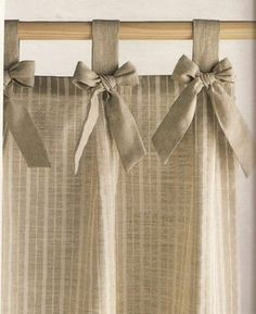 Risultati immagini per cortinas para cocina Home Curtains, Curtains With Blinds, Kitchen Curtains, Valances, Curtain Styles, Curtain Designs, Rideaux Design, Shabby Chic Kitchen, Window Coverings