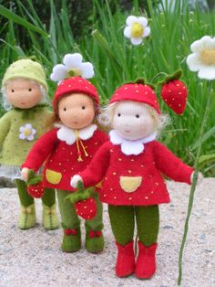 Wool Dolls, Knitted Dolls, Felt Dolls, Diy Doll Pattern, Diy And Crafts, Arts And Crafts, Animal Sewing Patterns, Fairy Clothes, Felt Fairy