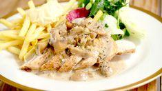 Kipfilet met champignonsaus en frietjes   Dagelijkse kost Food Hacks, Nom Nom, Main Dishes, Food And Drink, Foodies, Yummy Food, Healthy Recipes, Fish, Meat