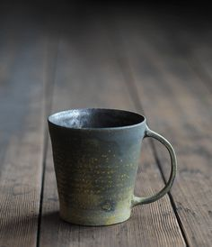 The exact kind of mugs I want. I gotta find the right pottery hook up.