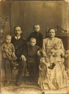 We Are Family, Antique Photos, Families, The Past, Daughter, Antiques, Couples, Vintage, Old Pictures