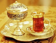 Persian tea--my favorite. The history of tea culture in Iran started at the end… Cooking Photos, Cooking Tips, Tea Culture, Persian Culture, Iranian Food, Middle Eastern Recipes, Mason Jar Wine Glass, My Tea, High Tea
