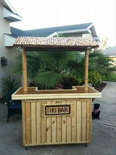 recycled-pallet-bar.jpg (670×896)