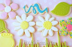 Daisy Decorated Sugar Cookies YouTube video HERE