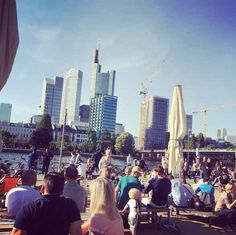24 Geheimnisse, die Dir Menschen aus Frankfurt am Main nicht verraten Maine, Frankfurt Germany, Short Trip, Beautiful Places To Visit, World Traveler, San Francisco Skyline, New York Skyline, To Go, Street View