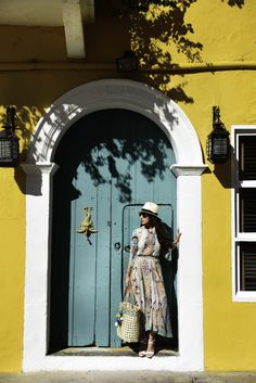 The calendar says March but forecast is calling for more snow.  I think we're all over this winter so let's take a look at these sunny photos from Bergdorf Goodman that were shot in Cartagena, Colombia and pretend we're warm. They feature new spring arrivals that I hope we can will be able to wear […]