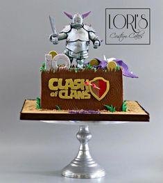 Clash of Clans  - Cake by Lori Mahoney (Lori's Custom Cakes)