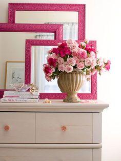 Sin importar cuál sea tu estilo el espejo es una pieza importante dentro del diseño, escoge uno que combine con el resto del dormitorio
