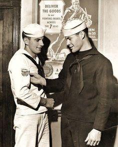No asking/telling worries, just Hot Military Men Marin Vintage, Vintage Men, Vintage Couples, Vintage Images, Vintage Black, Vintage Sailor, Merchant Marine, Navy Sailor, Cute Gay Couples