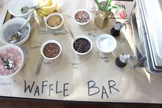 The most delicious Waffle Bar at my baby shower! Breakfast Time, Breakfast Recipes, Party Hacks, Party Ideas, Wooden Centerpieces, Waffle Bar, Game Day Food, I Love Coffee, Holidays And Events