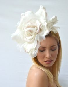 Items similar to Large Wedding Fascinator with off-white silk rose and leaves - Statement Piece on Etsy Floral Fascinators, Bridal Fascinator, Wedding Fascinators, Wedding Headband, Wedding Hats, Fascinator Hats, Headpieces, Floral Headdress, Steampunk Top Hat