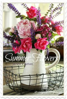 DIY Flower Projects – There is nothing quite like fresh flower arrangements for the house decoration. It does not only improve the house by its aesthetical aspect. Read MoreBest DIY Flower Projects with Simple Tools and Materials Summer Flower Arrangements, Beautiful Flower Arrangements, Summer Flowers, Floral Arrangements, Tall Flowers, Types Of Flowers, Flower Pots, Flower Ideas, Flower Diy