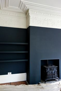 Farrow & Ball Off Black and Shadow White at the Victorian Villa Project matte black walls, white and ivory crown molding. Its an interesting juxtaposition of the modern and the antique aesthetics. Dark Living Rooms, Home Living Room, Dark Rooms, Farrow And Ball Living Room, Small Living, Cottage Living, Kitchen Living, Modern Living, Half Painted Walls