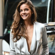Barbara Palvin, New Makeup Style, Calvin Klein Models, Kendall Jenner Outfits, Woman Crush, Female Models, Girl Crushes, Beauty Women, Alexa Chung