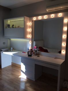 Unique Girls Bedroom Ideas for Small Rooms ~ Beautiful House Cute Bedroom Ideas, Cute Room Decor, Room Ideas Bedroom, Girl Bedroom Designs, Teen Room Decor, Bedroom Decor, Aesthetic Room Decor, Beauty Room, Dream Rooms
