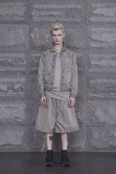 manmade natural, designed by a team lead by Tonny.L.S.S,is a luxury menswear collection that focuses on design sense and lashlon coordination.  look booh Images below.