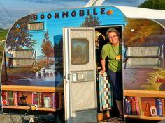 "Awesome BookMobile.Vía ""Vantastic"" by Kate Ulman"