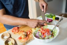 Easy Guacamole Recipe. Get full recipe on endlesslyelated.com