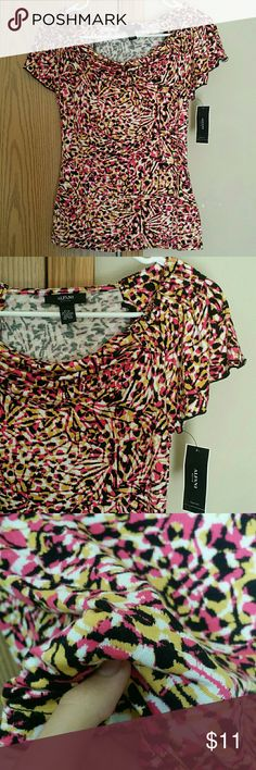 Alfani tee shirt Soft and very strechy material. Fits S and M Alfani Tops Blouses