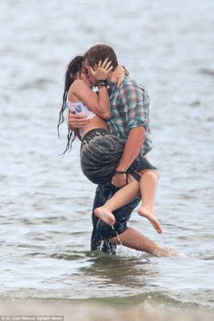 Miley Cyrus and Liam Hemsworth got wet and wild while filming The Last Song in Georgia back in June Liam Y Miley, Liam Hemsworth And Miley, Miley Cyrus Show, Nashville, Miley Stewart, Couple Moments, Shows In Nyc, Romantic Movies, Romantic Moments