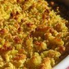Hoje trouxe uma receita de bacalhau típica do Norte de Portugal. Esse bacalhau é feito com uma crosta de broa de milho e tem um sabor muito tradicional. Experimente essa receita simples e viaje até ao norte de Portugal através dos sabores.