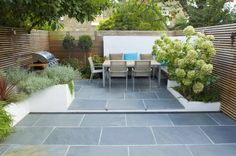 Small patio design ideas for your family great small urban garden design ideas home and design Garden Spaces, Small Patio Design, Backyard Decor, Patio Design, Garden Design London, Family Garden, Garden Planning, Modern Garden Design