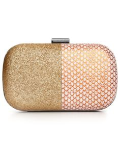 Perfect summer clutch
