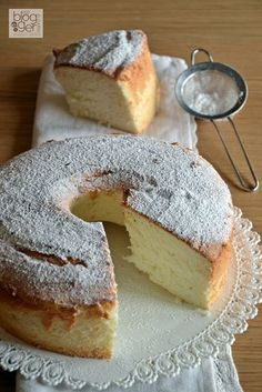 angelcake with yoghurt Torta Angel, Angel Cake, Angel Food Cake, Just Desserts, Delicious Desserts, Yummy Food, Baking Recipes, Cake Recipes, Dessert Recipes