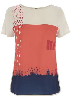 With a splash of colour, a dash of sunshine and a generous helping of print, Kate Whitton has painted a pretty Art School collection just in time for summer. This fresh, pretty tee features a colourblock, painted effect across the front with a plain jersey reverse. The piece features a slashed crew neckline and pintucked cap sleeves.
