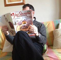 La prima giornata  della settimana è stata pesante? Allora mettetevi comodi: rilassatevi e leggete Julienne...