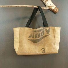 Chic et original cabas panier en toile de jute (recyclage de sacs à grains) idéal plage ou courses artisanat France pièce unique de la boutique MADEinPERCHE sur Etsy