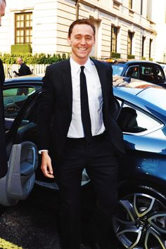 Photo of Tom Hiddleston - car
